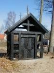 Glubczyn drewniany domek przy kościele - (2003)